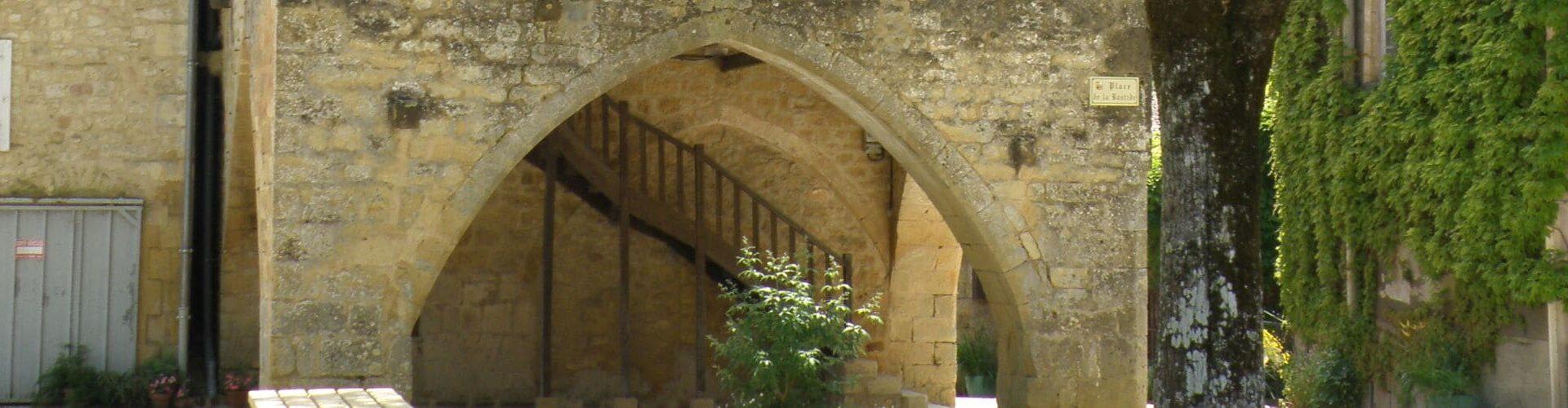 Molières - Porche - Maison du Bailly